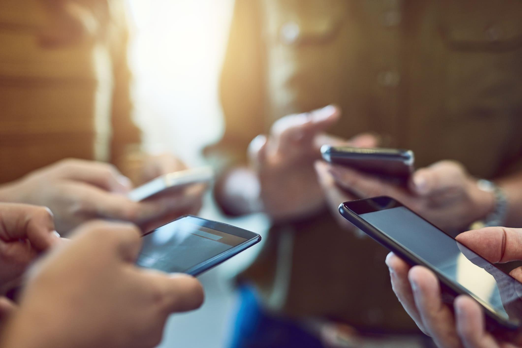 Nouveaux paradigmes dans l'univers mobile, nécessitant de nouvelles normes de développement   Eleven